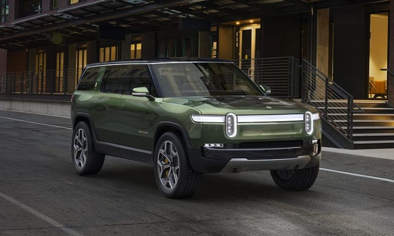 Here's What You Need to Know About the Rivian R1S All-electric SUV