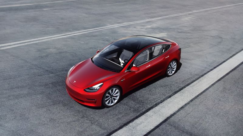 Tesla Inches Closer to $35,000 Model 3, Reduces Price for Sedan