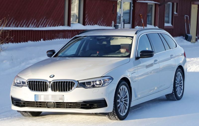 Here's What You Need to Know About the BMW 530e Touring Wagon PHEV