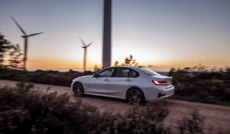 BMW to Premiere New Plug-in Hybrid Vehicles & Free EV Charging in Geneva