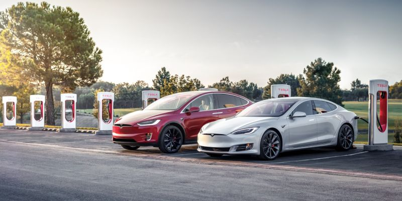 With a Price Cap, Canada Excludes Tesla Models from the Proposed $5,000 EV Incentive