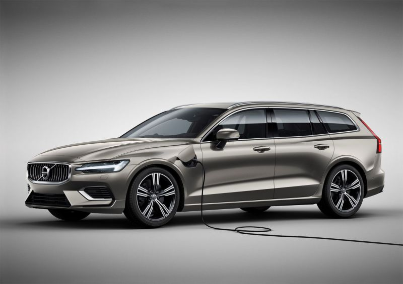 Polestar Engineered XC60 and V60 PHEVs Added to Volvo's Lineup