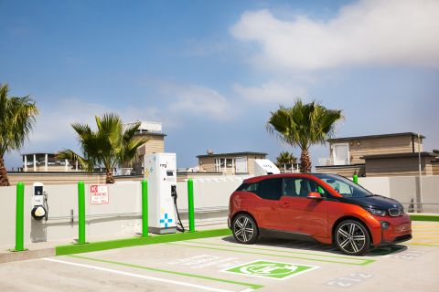 Google Maps Update Includes Real-time Data from EV Charging Stations