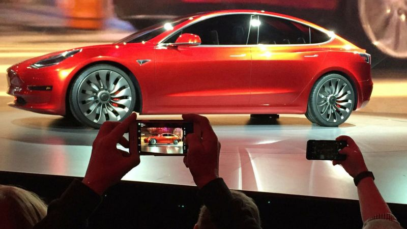 Tesla Receives the Strongest Organic Engagement on Social Media