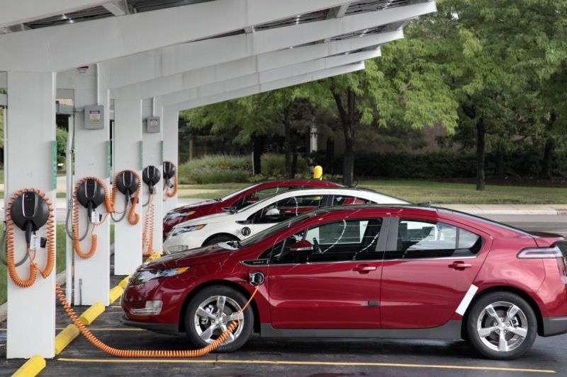 GM and Bechtel to Build Massive EV Charging Network