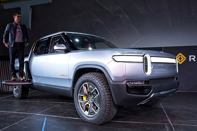Comparison: Rivian R1T Electric Pickup Truck VS. Ford F150