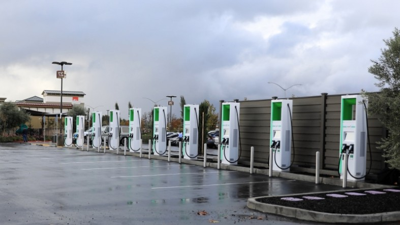 electrify-america-installs-california-s-first-350kw-ev-chargers__311890_.jpg