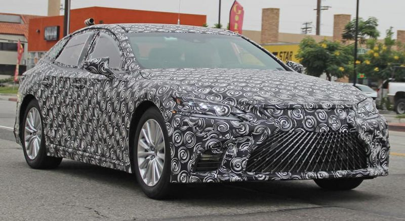 Spy-Shots of a Lexus LS Hydrogen Fuel Cell Prototype Surface Online