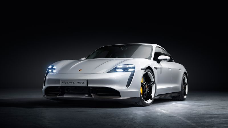 Porsche Officially Debuts its Electric Taycan, its Competitor to the Tesla Model S