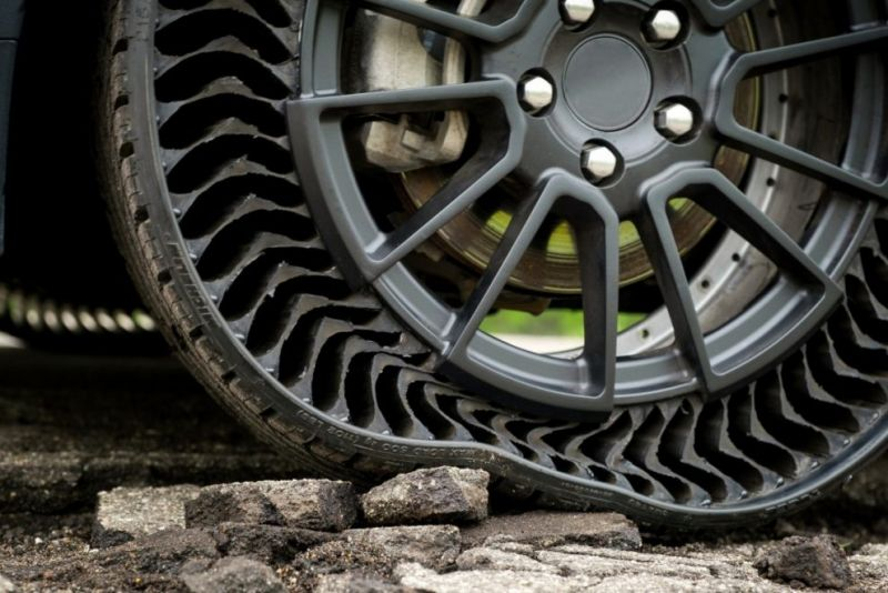 Airless Tires May Find a Market for Self-Driving Cars & Robo Taxi Fleets