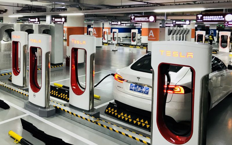 Tesla Installs its 2,000th Supercharger in China as Shanghai Gigafactory Nears Completion