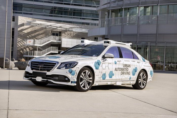 Mercedes Benz & Bosch Launch a Pilot Robotaxi Service in Silicon Valley