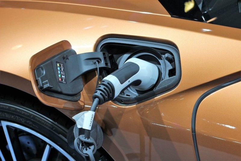 EV Buyers Can Expect Cheaper Batteries and More Chargers in 2020
