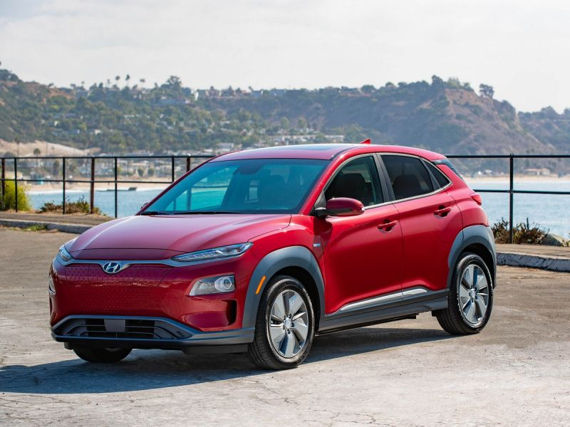 Hyundai's Kona Electric SUV Will Get a Range Boost to 301 Miles Starting This Month