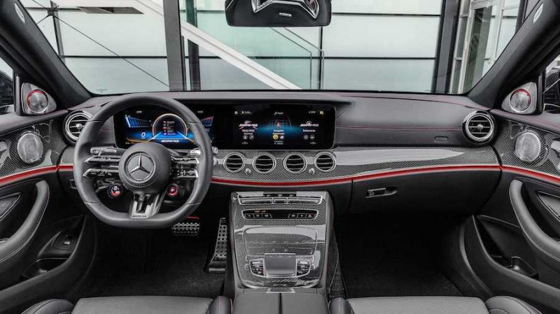 2021 Mercedes-Benz E-Class Will Feature Touch-Sensitive Steering Wheel