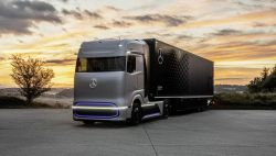 Daimler Trucks Unveils the 'GenH2' Mercedes-Benz Fuel-Cell Concept Truck