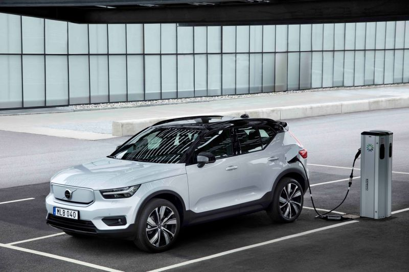Volvo Begins Production of the Fully-Electric XC40 Recharge SUV