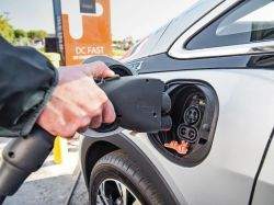 Massachusetts Announces Ban on New Gas-Powered Cars