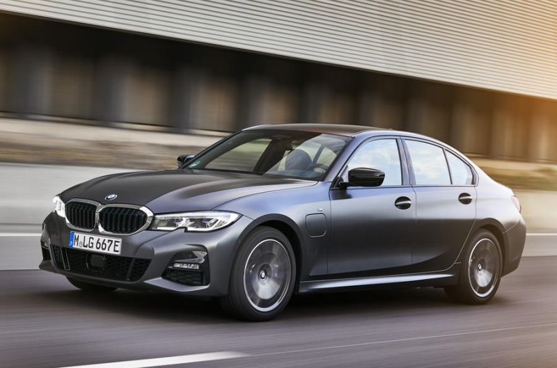 BMW Introduces New Plug-in Hybrid Versions of the 3 Series and 5 Series Models