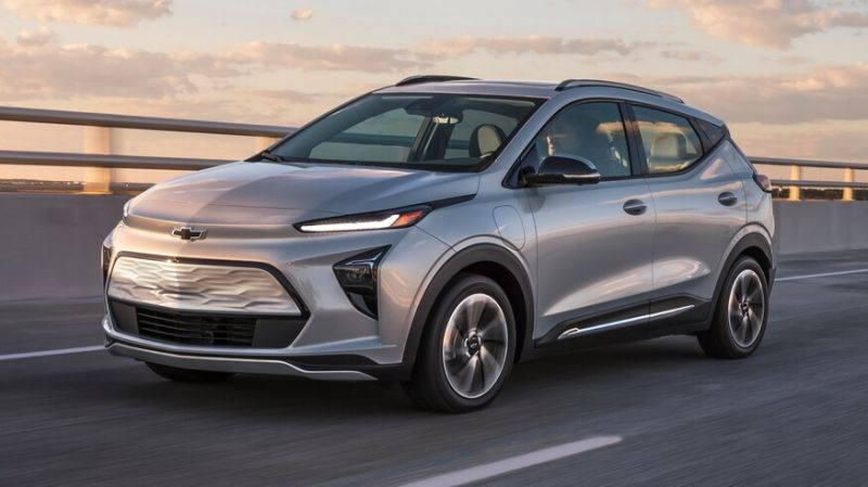 GM Unveils the Bolt EUV, its First Mass-Market Electric Crossover That Offers 'Hands-Free' Driving
