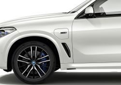 BMW's New X5 Plug-in Hybrid Will Ride on Sustainable Tires Made From FSC-Certified Natural Rubber & Rayon