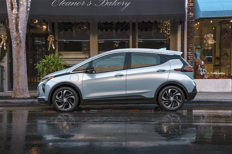 GM Agrees to California's Emissions Requirement, Wants Federal Help for EV Adoption