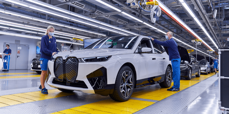BMW Board Member Says the Automaker Intends to Cut Production Costs 25% by 2025