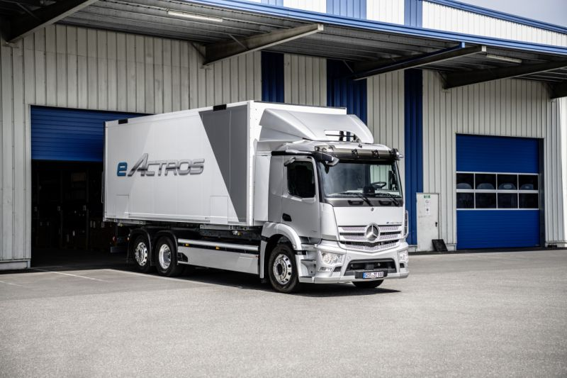 Mercedes-Benz Trucks Reveals its eActros Zero Emissions Electric Truck for Europe