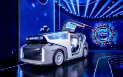 China's Baidu Unveils a Level-5 Robocar With No Steering Wheel & Gull-Wing Doors That 'Moves, Communicates & Learns'
