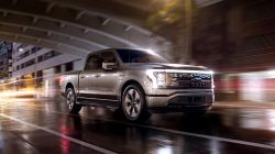 Ford Receives Over 130,000 Reservations for the F-150 Lightning, Strong Demand for Electrified Vehicles