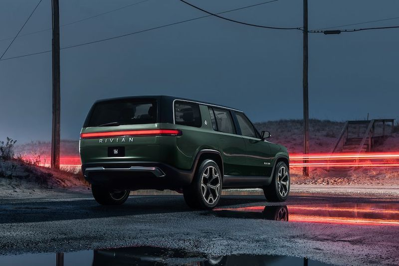 Rivian R1S, R1T Rated at Over 300 Miles by EPA