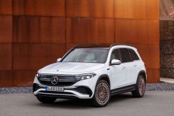 2022 Mercedes-Benz EQB's European Debut Previews U.S. Arrival