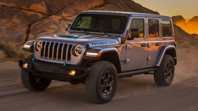 The Jeep Wrangler 4xe Plug-in Hybrid Is Smart and Reasonably Quiet, But Falls Short on Range