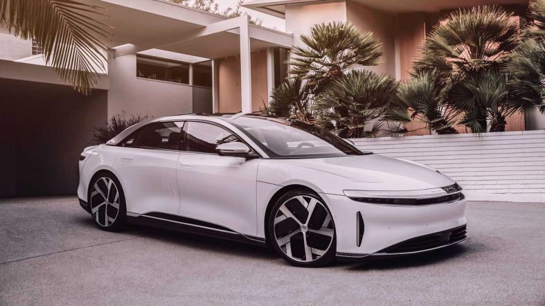 lucid-air-dream-edition-front-3-4-view.jpeg